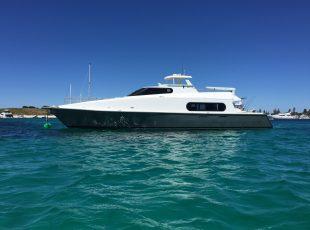 Canard Motoryacht design exterior
