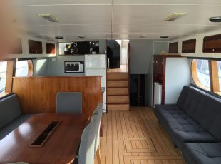 Canard Motoryacht design saloon interior