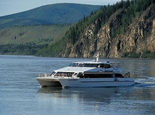 yukon queen tour vessel
