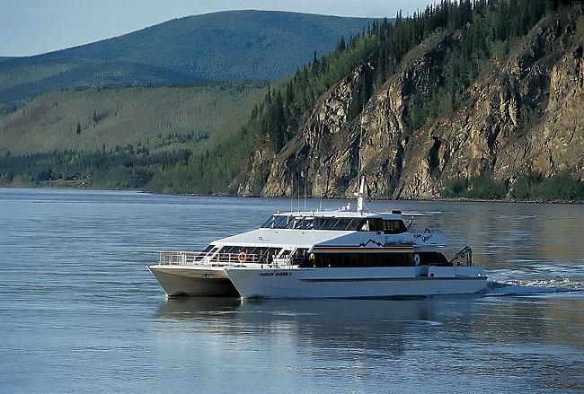 yukon queen tour vessel